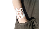 Voronoi bracelet #2 (MEDIUM) in White Strong & Flexible