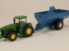 1:160 N Scale Kinze Grain Cart w/ Flotation Tires in Frosted Ultra Detail