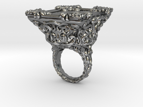 Ring Keyhole Baroque 7 - Detailed large in Polished Silver