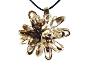 Linking Integral pendant in Polished Brass