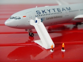 Airport GSE 1:400 Stair  in White Strong & Flexible Polished