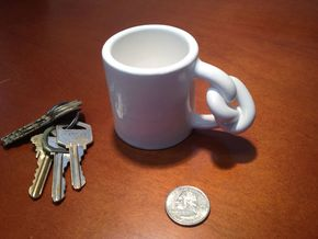 Knot Mug in Gloss White Porcelain