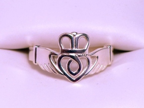 Traditional Claddagh Ring Size 7.5 in Polished Silver