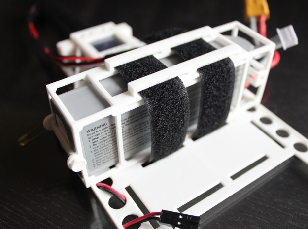 DJI Phantom - 3s Lipo Battery Cage - d3wey 3d printed Mounted to the d3wey FPV Custom Undertray