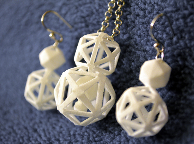 Polyhedron Snowman Earring 3d printed Polyhedron snowman earring complete set with silver hooks and matching articulated pendant.