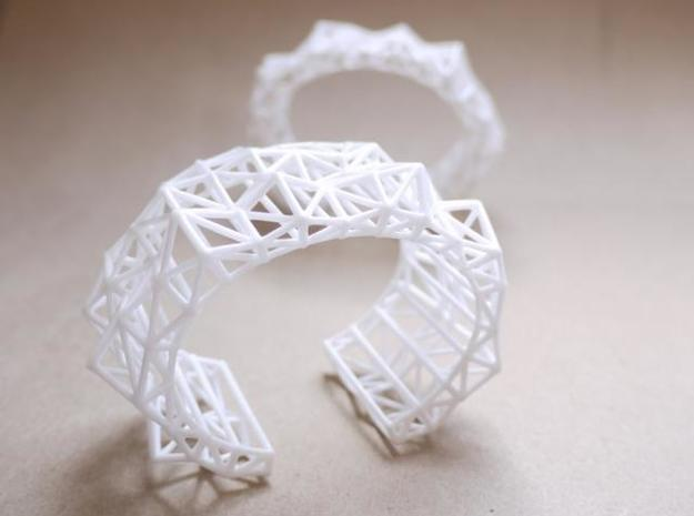 Faceted Cuff in X-Small 3d printed Description