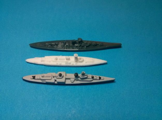 Deutschland class pocket-battleships 1/4000 3d printed Size comparison with Axis & Allies pieces