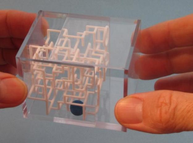 """Bare Bones"" - 3D Rolling Ball Maze in Clear Case( 3d printed Grip Edges to Open"