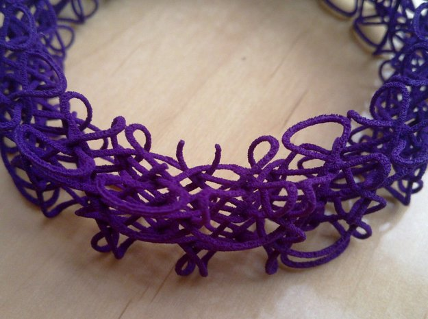 Celtic Bracelet 3d printed The threads are very thin and just a couple failed to fullly print