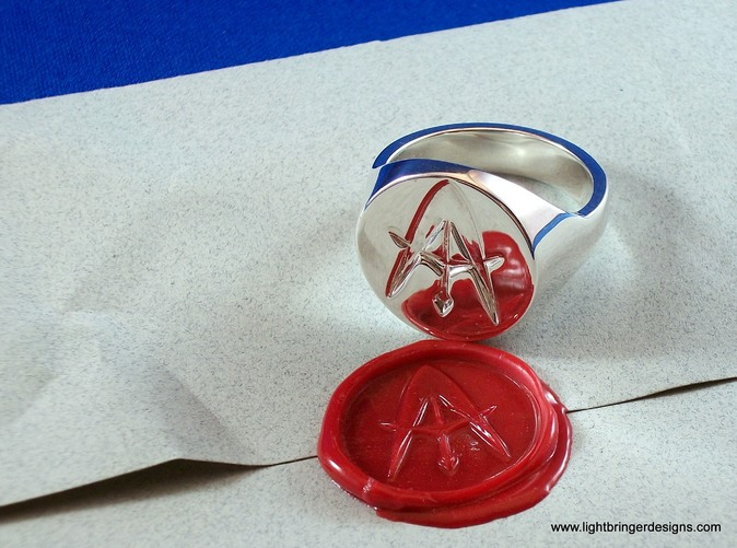 Custom signet ring in premium silver - surface like a mirror!