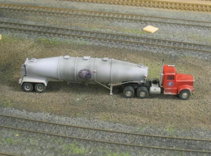 One of the two HO versions of Fruehauf trailer I've created.