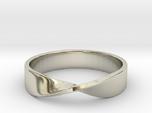 Mobius Ring (Size 7)