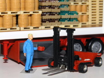 1:87 forklift with transportbox - Mitnahmestapler  in Frosted Ultra Detail