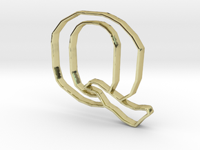 Typography Pendant Q in 18k Gold