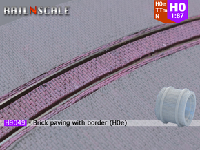 Brick paving with border (H0e) in Frosted Ultra Detail