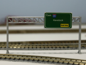 N Scale Sign Gantry 84mm in Smooth Fine Detail Plastic
