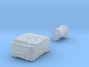 Koffer und Kaffeemaschine in Smooth Fine Detail Plastic