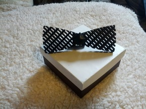 Spinning bow tie - stretched checker in White Processed Versatile Plastic