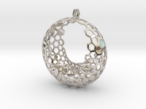 Bee and honeycomb - Pendant in Platinum