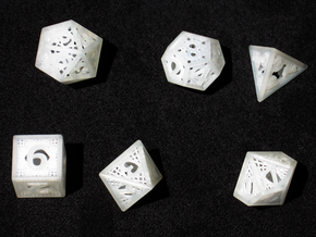 Woven Dice - Small in Smooth Fine Detail Plastic