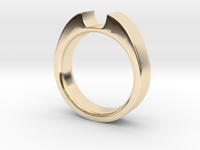 6x4mm Em Cut Sz 7 in 14K Yellow Gold