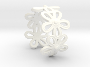 Daisy Ring in White Processed Versatile Plastic