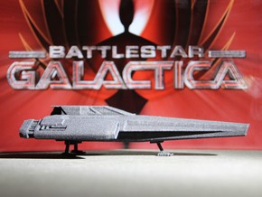 Blackbird Landed (Battlestar Galactica) in Black Natural Versatile Plastic: 1:72