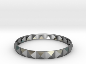 Pyramid Beveled Bangle (Hollow) in Fine Detail Polished Silver