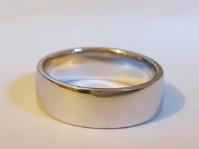 Wedding Ring Size 8 in Fine Detail Polished Silver