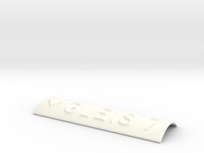 GLEIS 7 mit Pfeil nach unten in White Processed Versatile Plastic
