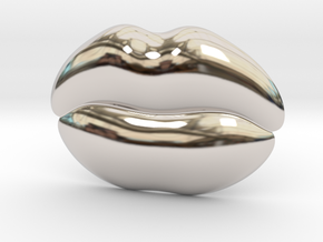 Kiss Me Belt Buckle in Rhodium Plated Brass
