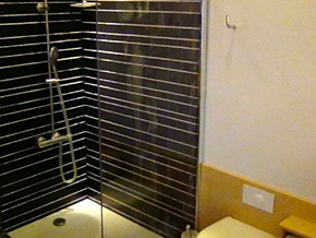 1:12 Duscharmatur/Shower panel in White Strong & Flexible