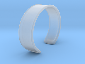 Cuff Bracelet in Smooth Fine Detail Plastic