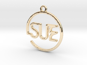 SUE First Name Pendant in 14k Gold Plated Brass
