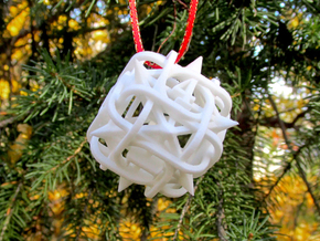 Thorn Die6 Ornament in White Natural Versatile Plastic