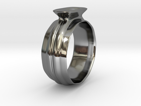 Ring in Fine Detail Polished Silver