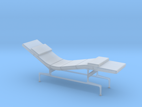 Miniature Eames Chaise - Charles & Ray Eames in Smooth Fine Detail Plastic: 1:48