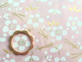 Flower Power Ring ML 18mm in Polished Bronze