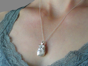 Anatomical Heart Pendant in Natural Silver
