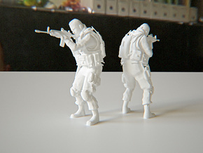 Modern Soldier Shooting Esc: 1/24 in White Natural Versatile Plastic