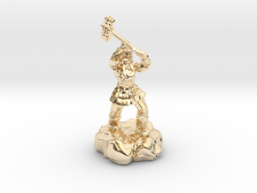 Dwarf Fighter With Warhammer in 14K Yellow Gold