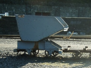 009 Dinorwric/Penrhyn waste wagon  in Smooth Fine Detail Plastic