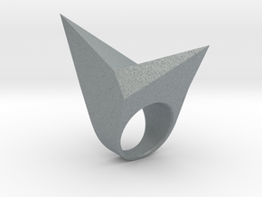 Lowpoly Ring in Polished Metallic Plastic