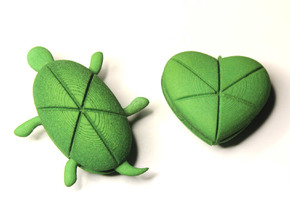 Twin Hearturtles in Green Strong & Flexible Polished