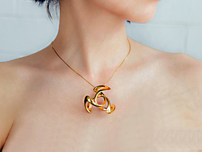 Trinity Pendant (4 cm) in 14k Gold Plated Brass