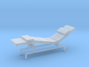 1:48 Eames Chaise in Smooth Fine Detail Plastic