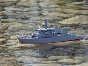 HMCS Kingston, Hull (1:200, RC) in White Natural Versatile Plastic