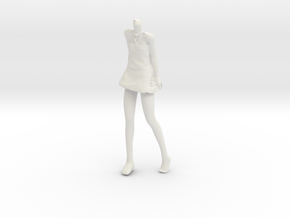 1/24 Girl Walking on Beach (Body Only) in White Natural Versatile Plastic