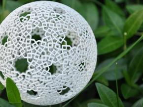 Two-point spherical star pattern in White Natural Versatile Plastic