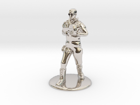 SG Male Soldier Walking 35mm new in Platinum